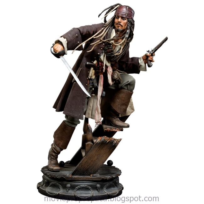 Pirates of the Caribbean: On Stranger Tides: Captain Jack Sparrow Statue (Johnny Depp)