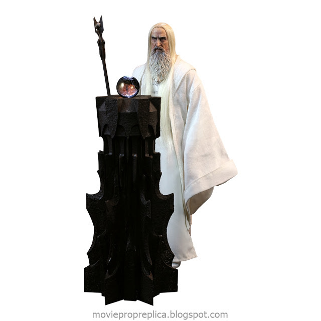 The Lord of the Rings and The Hobbit: Saruman 1/6th Scale Figure (Christopher Lee)