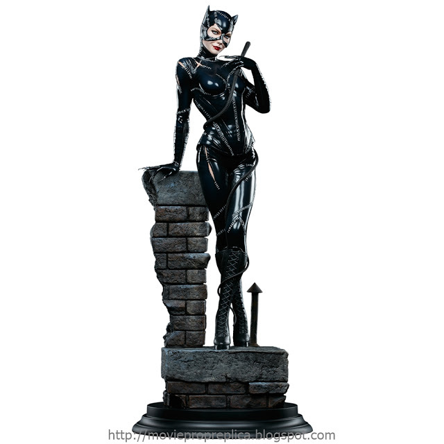 Batman Returns: Catwoman Premium Format Figure (Michelle Pfeiffer)