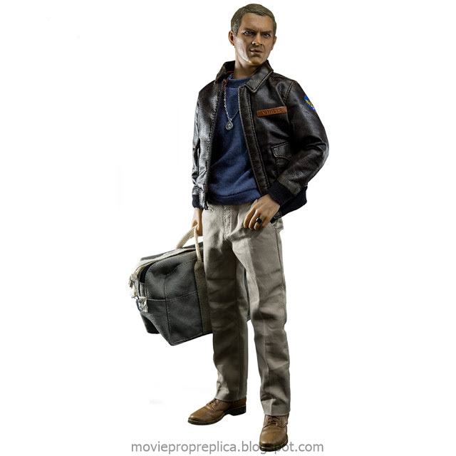 ​The Great Escape: Capt. Virgil Hilts Deluxe Version 1/6th Scale Figure (Steve McQueen)