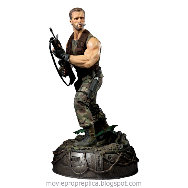 Predator: Major Alan Dutch Schaefer Premium Format Figure - 1/4th Scale Statue (Arnold Schwarzenegger)