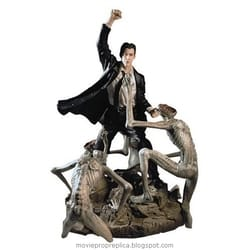 Constantine: John Constantine Statue (Keanu Reeves)