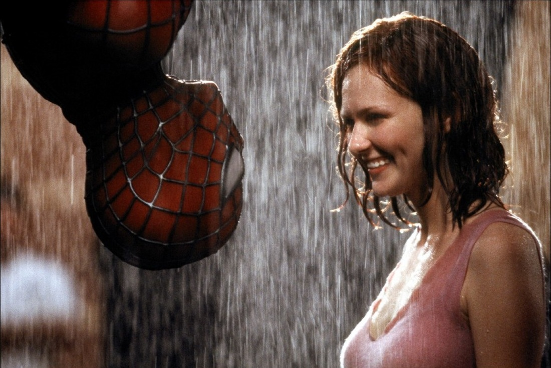 Tobey Maguire as Peter Parker / Spider-Man and Kirsten Dunst as Mary Jane Watson